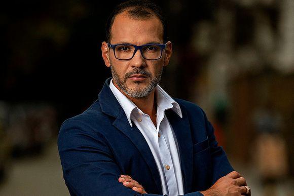 Dr. Estevão Felipe