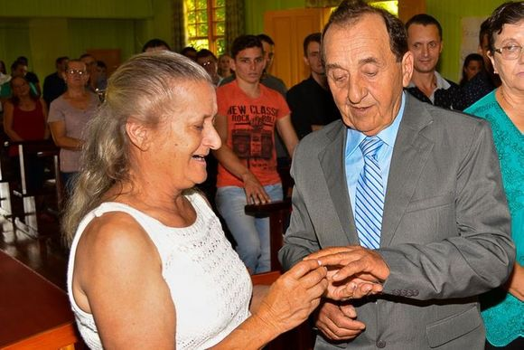 CARLOS & HORTENILA
