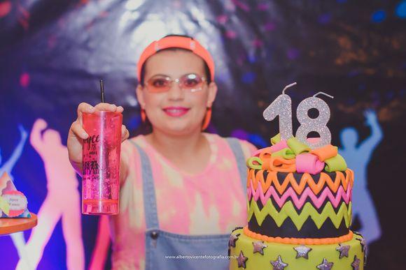 Joyce 18 anos